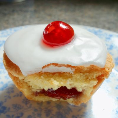 individual cherry Bakewell tarts filling